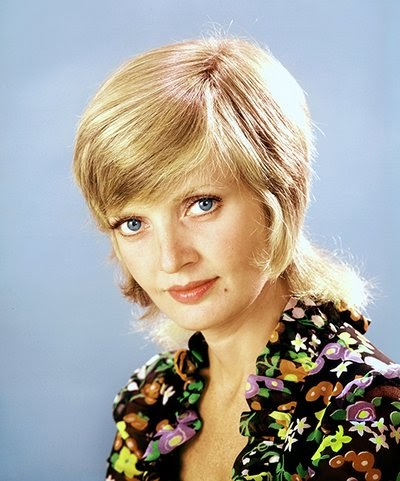 Florence henderson rockin a mullet.